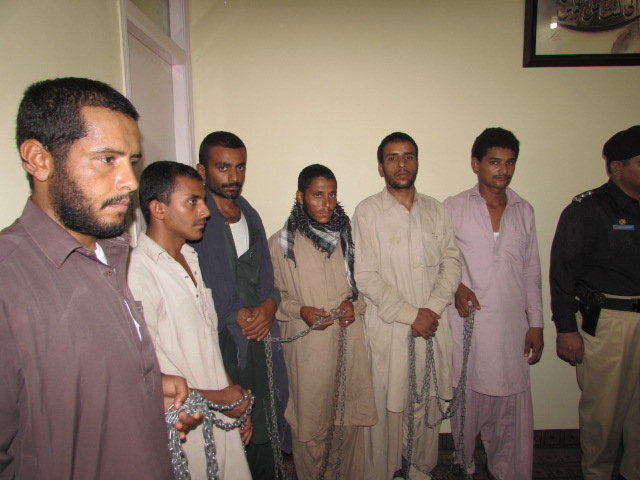 Recovered Yemeni hostages are present during police briefing
