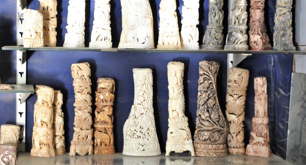 Bone Carving Craftsmen Struggle To Keep The Art Alive Pakvoices